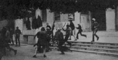 Neofascistas en las calles de Roma