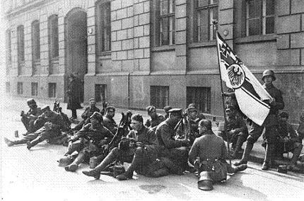 Casi un siglo despues, Alemania sigue pagando la derrota en la  guerra civil europea de 1914